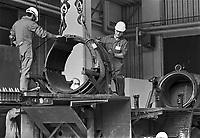 - Hausen (Frankfurt), demolition of mobile launchers for nuclear middle range missiles Pershing II after INF treaty  between USA and Soviet Union....- Hausen (Francoforte), demolizione delle rampe di lancio mobili per missili nucleari a medio raggio Pershing II a seguito del trattato INF fra USA e Unione Sovietica