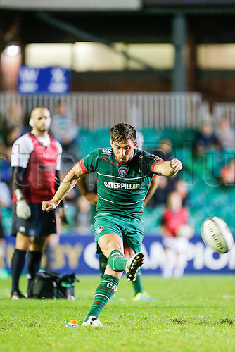 18.10.2014.  Leicester, England.  European Rugby Champions Cup. Leicester Tigers versus Ulster. Owen Williams of Leicester Tigers kicks a penalty.   Final score: Leicester Tigers 25-18 Ulster Rugby.