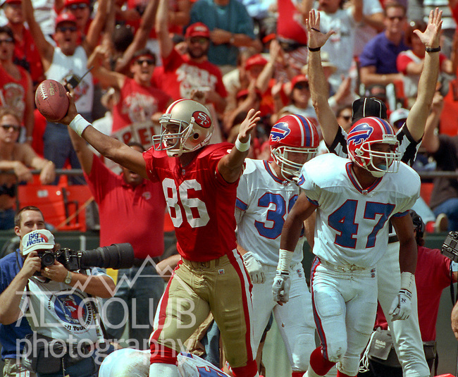 San Francisco 49ers vs. Buffalo Bills at Candlestick Park Sunday, September 12, 1992.  Bills beat 49ers 34-31.  San Francisco 49ers wide receiver Odessa Turner (86) celebrates touchdown. .