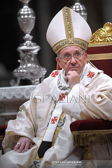 Pope Francis confers episcopal ordination  at St Peter's basilica at the Vatican on October 24, 2013