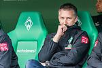 02.11.2019, wohninvest WESERSTADION, Bremen, GER, 1.FBL, Werder Bremen vs SC Freiburg<br /> <br /> DFL REGULATIONS PROHIBIT ANY USE OF PHOTOGRAPHS AS IMAGE SEQUENCES AND/OR QUASI-VIDEO.<br /> <br /> im Bild / picture shows<br /> Frank Baumann (Geschäftsführer Fußball Werder Bremen) auf der Bank, <br /> Dr. Daniel Hellermann (Mannschaftsarzt Werder Bremen), <br /> <br /> Foto © nordphoto / Ewert
