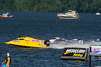 3-4 May 2008, Pickwick,TN USA.Terry Rinker leads away from the dock at the start of Saturday's heat race..©2008 F.Peirce Williams