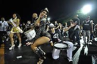 SÃO PAULO, SP, 15 DE JANEIRO DE 2012 - ENSAIO GAVIÕES DA FIEL - Tatiane Minerato durante ensaio técnico da Escola de Samba Gaviões da Fiel na praparação para o Carnaval 2012. O ensaio foi realizado na madrugada deste domingo, no Sambódromo do Anhembi, zona norte da cidade. FOTO LEVI BIANCO - NEWS FREE