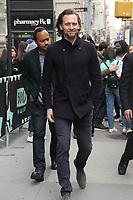 NEW YORK, NY - NOVEMBER 7: Tom Hiddleston at Build Series in New York City on November 7, 2019.      <br /> CAP/MPI/EN<br /> ©EN/MPI/Capital Pictures