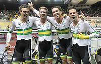 CALI – COLOMBIA – 17-01-2015: Equipo de Australia, gana medalla de oro en la prueba de persecución por Equipos  Varones en el Velodromo Alcides Nieto Patiño, sede de la III Copa Mundo UCI de Pista de Cali 2014-2015. / Ausralia Team, won he medal gold in the Men´s Pursuit Team Race at the Alcides Nieto Patiño Velodrome, home of the III Cali Track World Cup 2014-2015 UCI. Photos: VizzorImage / Luis Ramirez / Staff.