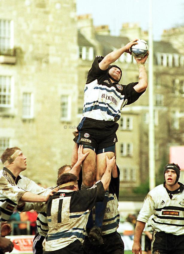 Photo. Richard Lane. Bath v Newcastle Falcons. 16/1/99..Steve Borthwick takes a line out..