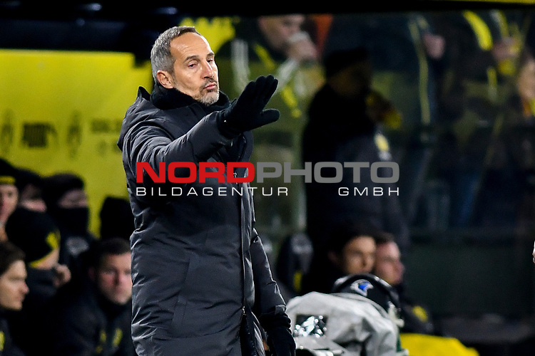 14.02.2020, Signal Iduna Park, Dortmund, GER, 1. BL, Borussia Dortmund vs Eintracht Frankfurt, DFL regulations prohibit any use of photographs as image sequences and/or quasi-video<br /> <br /> im Bild / picture shows / Adi Huetter / Hütter  (Eintracht Frankfurt) Gestik / Geste / gestikuliert / <br /> <br /> Foto © nordphoto/Mauelshagen
