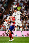 Toni Kroos of Real Madrid (R) fights for the ball with Saul Niguez of Atletico de Madrid (L) during their La Liga  2018-19 match between Real Madrid CF and Atletico de Madrid at Santiago Bernabeu on September 29 2018 in Madrid, Spain. Photo by Diego Souto / Power Sport Images