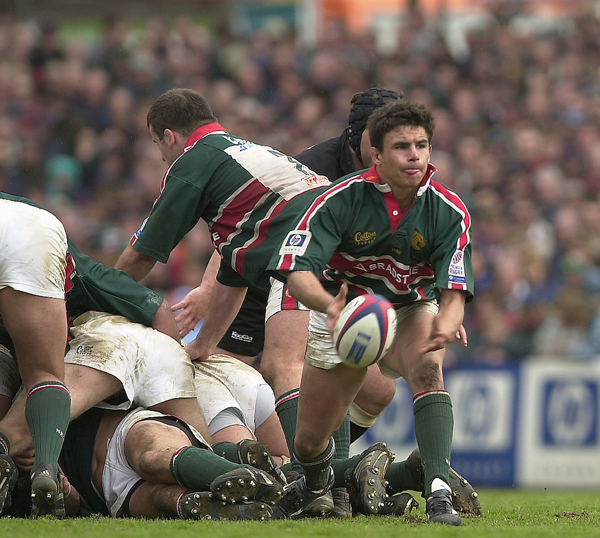 Photo Peter Spurrier.Zurich Premiership Rugby - Leicester Tigers v London Irish. 03/05/2003.Harry Ellis...