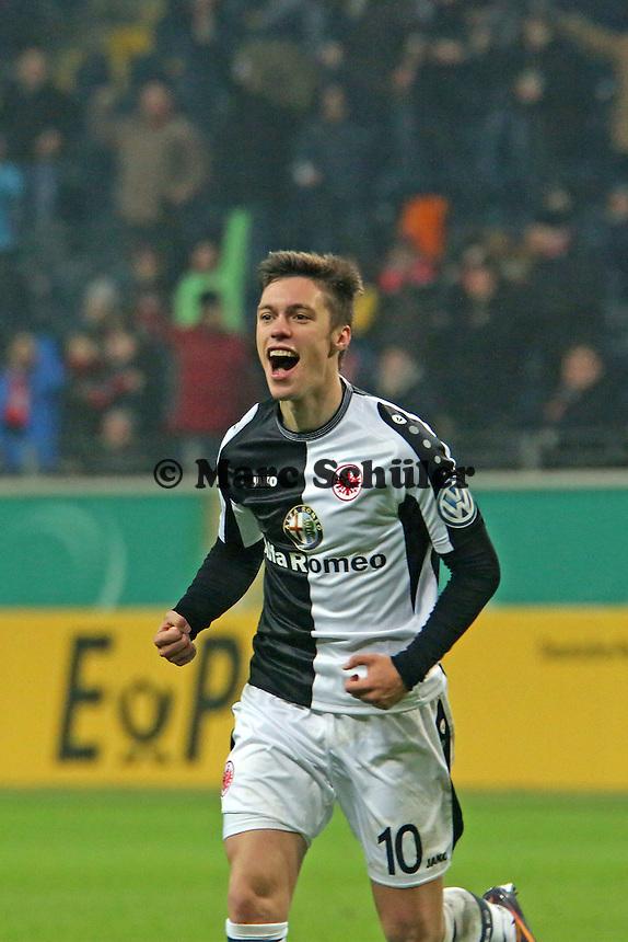Vaclav Kadlec (Eintracht) jubelt über sein Tor zum 3:2 - Eintracht Frankfurt vs. SV Sandhausen, DFB-Pokal, Commerzbank Arena