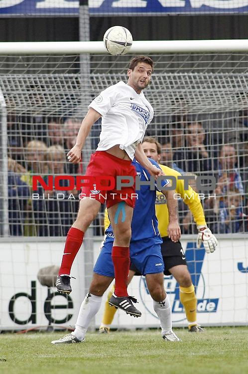 RLN 2007/2008 6. Spieltag Hinrunde<br /> BSV Kickers Emden - Wuppertaler SV Borussia<br /> Kopfball Daniel Voigt (Wuppertal#19)<br /> <br /> <br /> Foto &copy; nph (  nordphoto  )<br /> <br /> <br /> <br />  *** Local Caption ***
