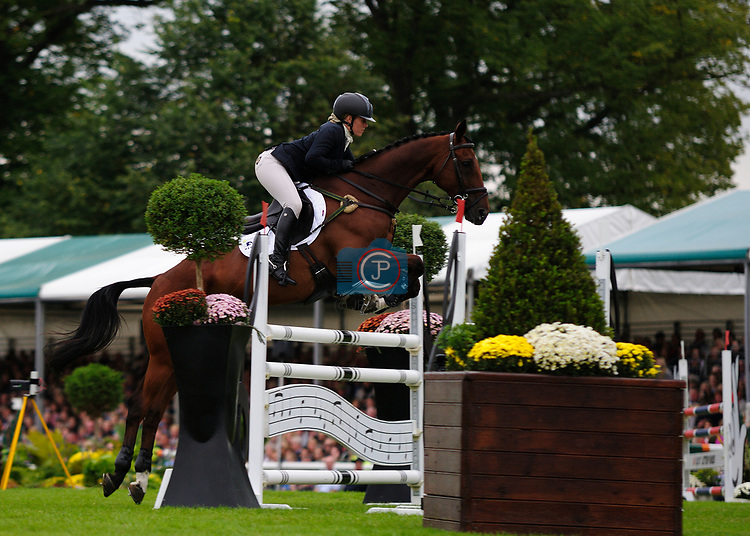 3rd September 2017. Imogen Murray (GBR) riding Ivar Gooden during the Show Jumping Phase of the 2017 Land Rover Burghley Horse Trials, Stamford, United Kingdom. Jonathan Clarke/JPC Images