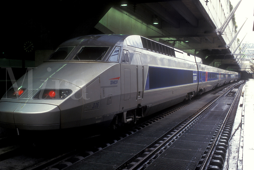 AJ0777, TGV, train, Paris, France, Europe, Gare Montparnasse, The TGV, high speed passenger train, waiting at the Gare Montparnasse in Paris.