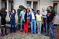 Amsterdam, 11 september 2013<br /> Cast Hoe Duur Was De Suiker. Vlnr: Gaite Jansen, Anna Raadsveld, Benja Bruijning, Yootha Wong-Loi-Sing, Kees Boot, Jean van de Velde (regisseur), Genewa Krind, Paul Voorthuysen (producent) en Maurits Dekhot.<br /> Foto Felix Kalkman