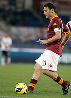Calcio, Serie A: Roma vs Palermo. Roma, stadio Olimpico, 4 novembre 2012..AS Roma forward Francesco Totti in action during the Italian Serie A football match between AS Roma and Palermo, at Rome's Olympic stadium, 4 november 2012..UPDATE IMAGES PRESS/Riccardo De Luca