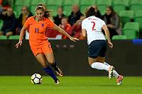 GRONINGEN -  Voetbal, Nederland - Noorwegen, Noordlease stadion, WK kwalificatie vrouwen, 24-10-2017,    Nederland speelster Lieke Martens met Noorwegen doelvrouw Cicilie Fiskerstrand