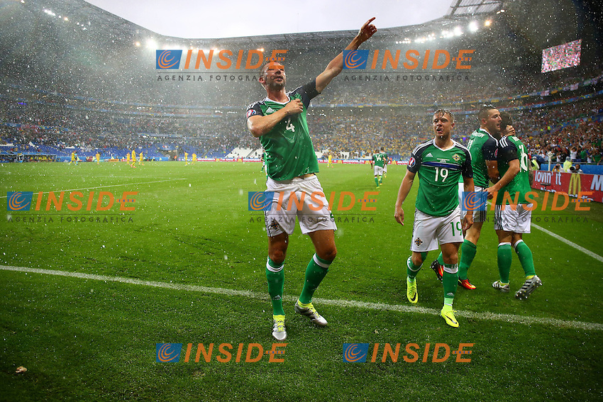 Gareth McAuley of Northern Ireland celebrates scoring the opening goal during the UEFA European <br /> Lyon 16-06-2016 Stade de Lyon Euro2016 Ukraine - Northern Ireland / Ucraina - Irlanda del Nord Group Stage Group C. Foto BPI / Imago / Insidefoto