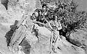Iraq 1975.After the collapse of the Kurdish movement, little groups of peshmergas are going back to the mountains to fight.Irak 1975.Apres l'effondrement de la lutte armee, des petits groupes de peshmergas retournent dans le Kurdistan irakien  pour se battre.