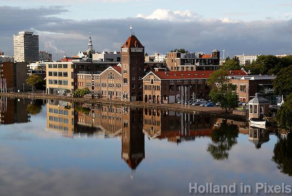 Oude Verkade fabriek aan de Zaan in Zaandam