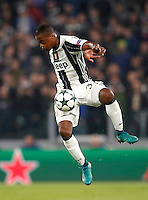 Calcio, Champions League: Gruppo H, Juventus vs Lione. Torino, Juventus Stadium, 2 novembre 2016. <br /> Juventus' Patrice Evra controls the ball during the Champions League Group H football match between Juventus and Lyon at Turin's Juventus Stadium, 2 November 2016. The game ended 1-1.<br /> UPDATE IMAGES PRESS/Isabella Bonotto
