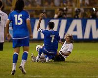 Frankie Hejduk (2) collieds with Ramond Sánchez (7) during FIFA World Cup qualifier against El Salvador. USA tied El Salvador 2-2 at Estadio Cuscatlán Stadium in El Salvador on March 28, 2009.