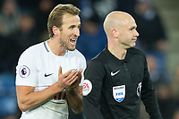 Harry Kane of Tottenham has words with referee Anthony Taylor as Leicester City waste as much time as possible in an effort to hold onto their 2-1 advantage during the Premier League match between Leicester City and Tottenham Hotspur at the King Power Stadium, Leicester, England on 28 November 2017. Photo by James Williamson / PRiME Media Images.