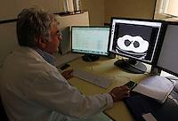 NAPOLI OSPEDALE MONALDI.NELLA FOTO DIAGNOSTICA PER IMMAGINI  TAC.FOTO CIRO DE LUCA