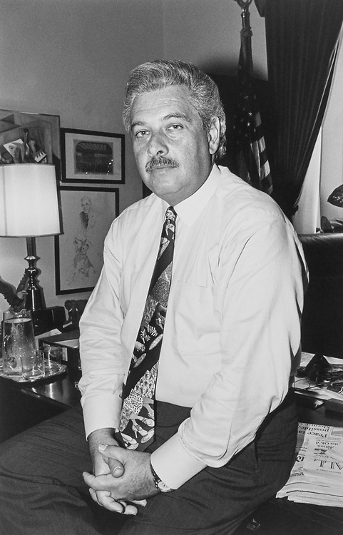 Rep. Lawrence J. Smith, D-Fla., retires on April 30, 1992. (Photo by Laura Patterson/CQ Roll Call)