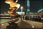 Inaugurazione della scultura di Tony Cragg 'Punti di vista' nella Piazza Olimpica di Torino. Gennaio 2006.