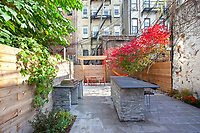 Patio Garden at 286 5th Avenue