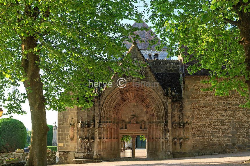 France, Creuse (23), Moutier-d'Ahun, abbaye de Moutier-d'Ahun, entrée par le portail gothique // France, Creuse, Moutier-d'Ahun, Moutier d'Ahun abbey, the portal