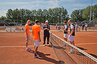 Netherlands, Rotterdam August 07, 2015, Tennis,  National Junior Championships, NJK, TV Victoria, Umpire does the toss<br /> Photo: Tennisimages/Henk Koster