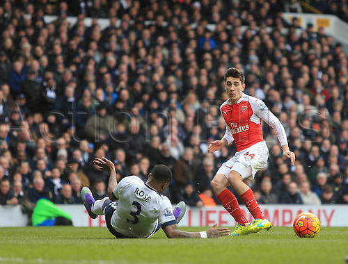 05.03.2016. White Hart Lane, London, England. Barclays Premier League. Tottenham Hotspur versus Arsenal. Héctor Bellerín of Arsenal cross shot leads to his sides opening goal.