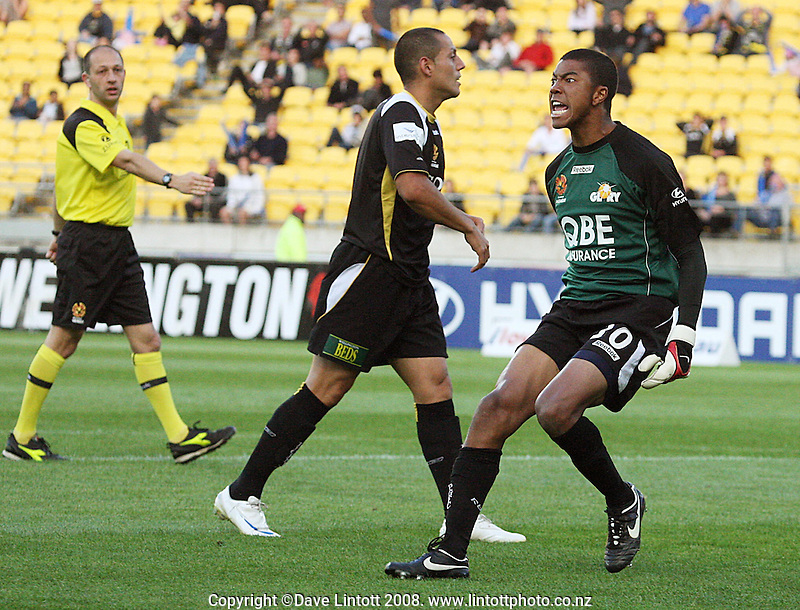 Glory keeper Tando Velaphi celebrates Shane Smeltz' miss in front of an open goal during the A-League football match between the Wellington Phoenix and Perth Glory at Westpac Stadium, Wellington, New Zealand on Saturday, 13 December 2008. Photo: Dave Lintott / lintottphoto.co.nz