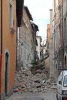 L'Aquila. macerie nel centro storico.