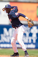 Cedar Rapids Kernels second baseman Candido Pimentel #16 throws during a game against the Lansing Lugnuts at Veterans Memorial Stadium on April 30, 2013 in Cedar Rapids, Iowa. (Brace Hemmelgarn/Four Seam Images)