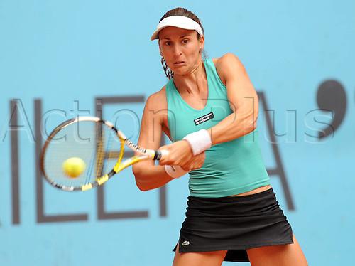 12 05 2010  Arantxa Parra Santonja of Spain Returns A Shot during The Second Round of Women singles