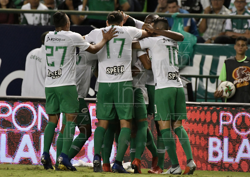 PALMIRA - COLOMBIA, 26-05-2019: Jugadores del Nacional celebran después de anotar el primer gol durante partido entre Deportivo Cali y Atlético Nacional por la fecha 4, cuadrangulares semifinales, de la Liga Águila I 2019 jugado en el estadio Deportivo Cali de la ciudad de Palmira. / Players of Nacional celebrate after scoring the first goal during match between Deportivo Cali and Atletico Nacional for the date 4, semifinal quadrangulars, as part Aguila League I 2019 played at Deportivo Cali stadium in Palmira city.  Photo: VizzorImage / Gabriel Aponte / Staff