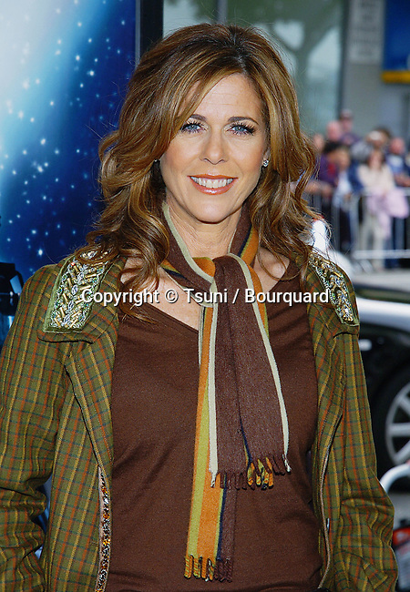 Rita Wilson arriving at the Polar Express Premiere at The Grauman Chinese Theatre in Los Angeles. 11/07/2004.