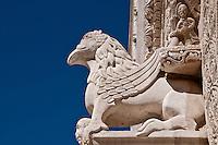 Ruvo di Puglia è un comune italiano di 25.786 abitanti della provincia di Bari in Puglia. Fa parte del Parco nazionale dell'Alta Murgia, ospita la sede della Comunità montana della Murgia Barese Nord-Ovest e del Museo archeologico nazionale Jatta che ha accresciuto la fama della città grazie alle migliaia di reperti archeologici di età ellenistica ivi conservati, tanto da assurgere a simbolo comunitario il vaso di Talos. È inoltre il terzo comune per estensione della Provincia di Bari ed è una città dell'olio oltre che città d'arte.