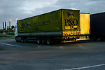 Port de Calais illustrations Camions transport poids lourd.Calais mars 2008
