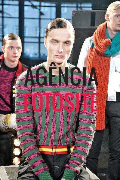 Londres, Inglaterra &ndash; 08/01/2014 - Desfile de Jonathan Saunders durante a Semana de moda masculina de Londres - Inverno 2014. <br /> Foto: FOTOSITE