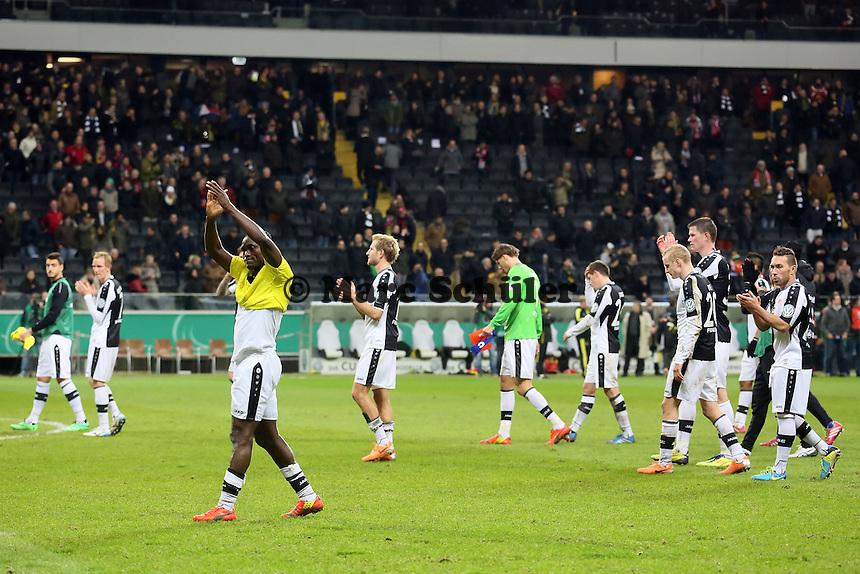 Eintracht bedankt sich bei den Fans - Eintracht Frankfurt vs. Borussia Dortmund, DFB-Pokal Viertelfinale