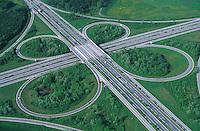 Deutschland, Schleswig- Holstein, Bundesautobahnkreuz Rendsburg, Straßenverkehr, Auto