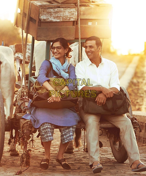 Padman (2018)<br /> Akshay Kumar and Sonam Kapoor<br /> *Filmstill - Editorial Use Only*<br /> CAP/KFS<br /> Image supplied by Capital Pictures