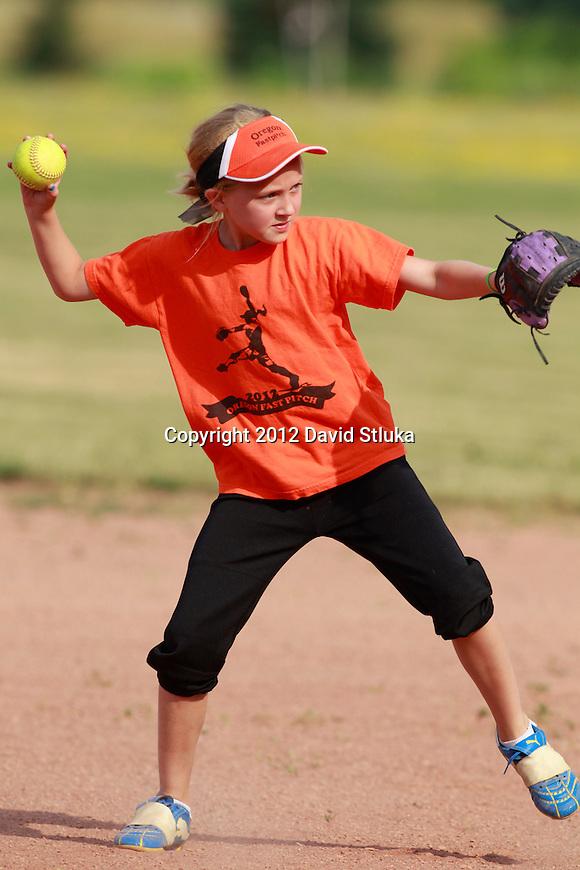 Oregon U10 Softball on June 18, 2012 in Oregon, Wisconsin. (Photo by David Stluka)