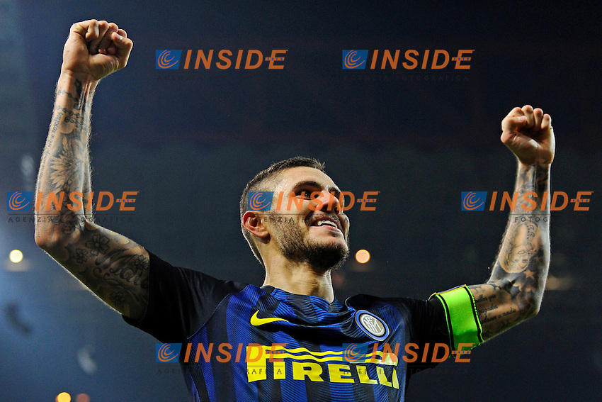 Esultanza gol di Mauro Icardi Inter 2-1. Celebration goal<br /> Milano 26-10-2016 Stadio Giuseppe Meazza - Football Calcio Serie A Inter - Torino. Foto Giuseppe Celeste / Insidefoto