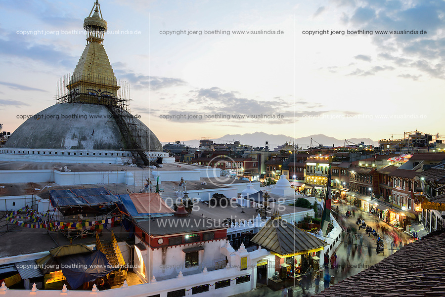 NEPAL Kathmandu, Boudhanath Stupa is the largest stupa in Nepal and the holiest Tibetan Buddhist temple outside Tibet. It is the center of Tibetan culture in Nepal /  Bodnath Stupa ist die groesste Stupa in Nepal und Zentrum der tibetischen Kultur in Nepal