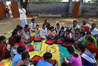 INDIA Uttar Pradesh, Meerut, village Kurali, children parliament in Bal Mitra Gram, child friendly village, an initiative of NGO BBA of Kailash Satyarthi / INDIEN  Uttar Pradesh, Meerut, Kinderparlament im Dorf Kurali, NGO BBA von Kailash Satyarthi unterstuetzt BMG Bal Mitra Gram, kinderfreundliche Doerfer