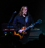 Guitarist Warren Haynes of Gov't Mule at 02 Shephard's Empire on May 25, 2015.